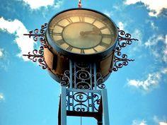 Clock in Salto