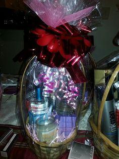 Valentines Day Baskets www.marykay.com/shermainejr Valentines Day Baskets, Holiday Gift Baskets, Holiday Gifts, Holiday Decor, Abh, Homemade Gifts, Mary Kay, Organize, Christmas Bulbs