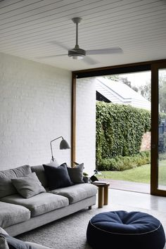 Brighton House by Rob Kennon Architects - Project Feature - Melbourne, Australia - The Local Project Brighton Houses, Interior And Exterior, Interior Design, Small Room Design, Architecture, Home Projects, Interior Inspiration, Wabi Sabi, Contemporary Design