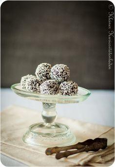 Schwedenwoche, Tag 7: Chokladbollar (Schoko-Haferflockenkugeln) | Kleiner Kuriositätenladen