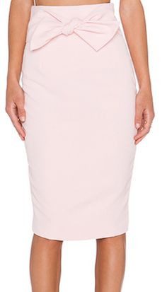 Fitted pink pencil skirt with bow