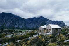 Set amongst granite outcroppings on an island near the Norwegian Sea, Vega Cabin is a humble getaway that blends in while standing out. The lower level is setup like a large open gallery around a stone hearth, while above, the...
