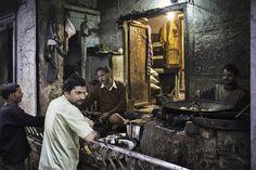 https://flic.kr/p/HWdpUt   Varanasi, Uttar Pradesh, India.   www.raulbarrero.com