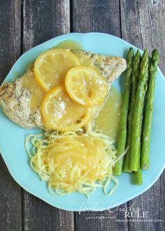 Garlic Lemon Sauce - SOOO tasty! - #lemonchicken #garlicchicken foodiechicksrule.com