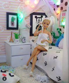 Barbie Room, Barbie Sets, Barbie Dolls Diy, Barbie Fashionista Dolls, Diy Barbie Clothes, Barbie Doll House, Barbie Life, Monster High Haus, Barbie Tumblr