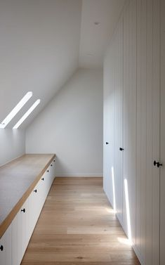 3 Ridiculous Tricks Can Change Your Life: Cozy Attic Apartment attic ladder beds. 3 Ridiculous Tricks Can Change Your Life: Cozy Attic Apartment attic ladder beds.Attic Ladder Tiny Homes unfinished attic pictures. Attic Renovation, Attic Remodel, Attic Bedrooms, Home Bedroom, Bedroom Rustic, Bedroom Modern, Bedroom Wall, Bedroom Ideas, Bedroom Decor