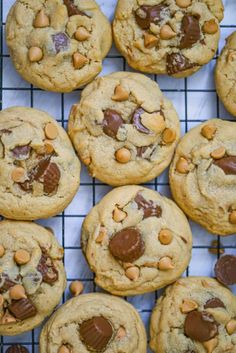 Snickers Peanut Butter, Chewy Peanut Butter Cookies, Peanut Butter Chips, Peanut Butter Recipes, Chocolate Chip Recipes, Healthy Cookies, Fun Desserts, Delicious Desserts, Dessert Recipes