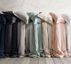 Bring plush style and comfort to the bedroom with cozy bedding from Pottery Barn. Find quality down comforters and duvet covers in stylish colors and patterns. Neutral Bed Linen, Black Bed Linen, Best Bedding Sets, Luxury Bedding Sets, Modern Bedding, Comforter Sets, Bedding Decor, Rustic Bedding, Decorating Rooms