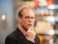 Alton Brown: My favorite food network host. Good Eats is easily one of my top 3 favorite shows ever (only rivaled by Iron Chef and Iron Chef America).
