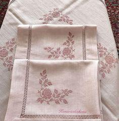 Ne diyeceğimi,ne yazacağımı bilemiyorum😌sevgili arkadaşım @beril_basaran ve Başaran ailesinin prensesi söz ve kelimeler tükendi,ben bu… Jacobean Embroidery, Cross Stitch Embroidery, Cross Stitch Borders, Cross Stitch Patterns, Drawn Thread, Bargello, Cutwork, Filet Crochet, Blackwork