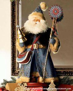 Santa in blue Father Christmas, Blue Christmas, Christmas Deco, Beautiful Christmas, Old World Christmas Ornaments, Christmas Goodies, Santa Pictures, Santa Doll, Santa Figurines