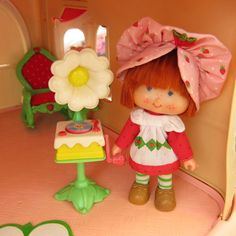 Record Player for Strawberry Shortcake by BrownEyedRose