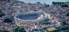 Restaurants Arles et Camargue - Office de Tourisme d'Arles Arles Festival, Tourist Office, Sainte Marie, Fauna, Heaven On Earth, Places Ive Been, Travel Inspiration, City Photo, Fair Grounds