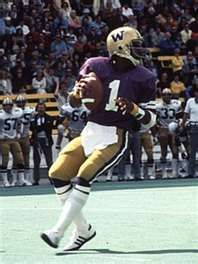 Warren Moon - This Husky is the only player in history to be enshrined in the NFL & CFL Halls of Fame.