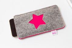 Items similar to iPhone 5 case STAR customized felt cell phone cover on Etsy Felt Phone Cases, Felt Case, Cell Phone Covers, Diy Mobile Pouches, Felt Diy, Felt Crafts, Iphone 5 Case, Tablet, Mobile Covers