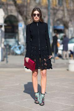 black dress, red clutch