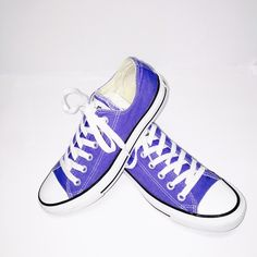 Women's Converse SZ 7 Periwinkle Blue in excellent condition. Please no lowball offers or trades. Converse Shoes Sneakers