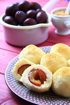 Knedle ziemniaczane ze śliwkami Easy Cooking, Cooking Recipes, Good Food, Yummy Food, Polish Recipes, Polish Food, Banana Cream, I Foods, Food And Drink