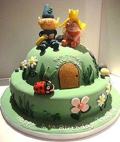 Ben and holly, gastons home cake Bright Birthday Cakes, 3rd Birthday Cakes, Bear Birthday, Fairy Birthday, Birthday Parties, Ben And Holly Cake, Ben E Holly, 3d Cakes, Fondant Cakes