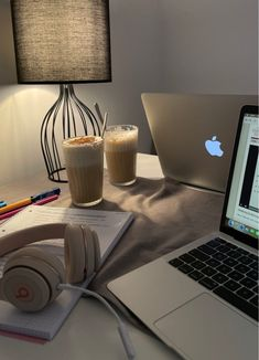 College Student Style, Student Life, School Motivation, Study Motivation, Study Inspiration, Motivation Inspiration, Ricci Rivero, Study Room Decor, Study Pictures