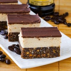 Kahlua Nanaimo Bars Kahlua Nanaimo Bars - a celebration of my favourite coffee liqueur and my favourite Canadian cookie bar. Perfect for the Holidays. Baking Recipes, Cookie Recipes, Easy Recipes, Aldi Recipes, Coconut Recipes, Fudge Recipes, Baking Ideas, Delicious Recipes, No Bake Desserts