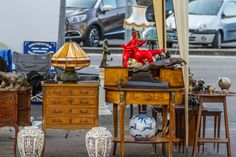 Vinterior is the online marketplace where the world buys and sells remarkable vintage and antique furniture across every lifestyle, budget and taste. Retro Furniture, Antique Furniture, Antique Market, Mid Century Furniture, Decorative Objects, Country Living, Provence, French Country, Snow Globes