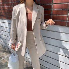 Korean Fashion Trends, Something Special, Light Jacket, Everyday Fashion, Ootd, Blazer, Lady, Fitness, Jackets
