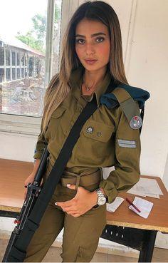 Women in Uniform : Hot Girls of Israel Army Idf Women, Military Women, Israeli Female Soldiers, Israeli Girls, Brave Women, Military Girl, Girls Uniforms, Tank Girl, Women Swimsuits