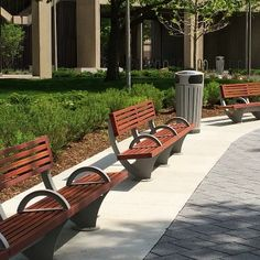 Peaceful: Pacifica Benches and Dispatch Receptacle at UIC s Memorial Grove.