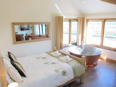 Stargazey - 5 Star Gold Award apartment with copper spa bath Copper Bath, Bedroom With Bath, Bathroom Styling, Luxury Apartments, Open Plan, New Homes, Cottage, Countryside, British