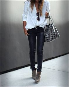 Black and white casual outfit fashion for over 50 Tendances mode hiver 2019 Mode Outfits, Chic Outfits, Spring Outfits, Fashion Outfits, Womens Fashion, Outfit Summer, Fashion Clothes, Summer Hair, Classic Outfits