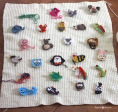 Crochet Animal Alphabet Afghan - Repeat Crafter Me Crochet Faces, Crochet Animals, Crochet Toys, Crochet Baby, Free Crochet, Knit Crochet, Cool Crochet Blanket, Crochet Blanket Patterns, Knitting Patterns
