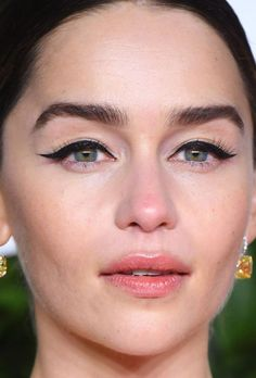 From Red Lips to Glittery Eyeshadow: 21 of the Best Skin, Hair and Makeup Looks Lately Red Lip Makeup, Cut Crease Makeup, Eye Makeup, Glossy Lips, Red Lips, Emilia Clarke Hair, Berry Lipstick, Peach Eyeshadow, Tinted Lip Balm