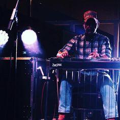 #beeroclockband #country #countrymusic #livecountrymusic #pedalsteel #pedalsteelguitar #steelguitar by gianni.gori https://www.instagram.com/p/BCrva6mwX_U/ #jonnyexistence #music