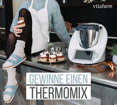 """vitaform (@vitaform_official) hat ein Foto auf seinem/ihrem Instagram-Konto veröffentlicht: """"***𝗚𝗘𝗪𝗜𝗡𝗡𝗦𝗣𝗜𝗘𝗟*** Dies ist deine Chance, den perfekten Küchenhelfer 👩🏼🍳💥 zu gewinnen: einen…"""" Keurig, Kettle, Coffee Maker, Kitchen Appliances, Instagram, Coffee Maker Machine, Diy Kitchen Appliances, Tea Pot, Coffee Percolator"""