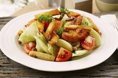 Vårsalat med kylling og salte mandler