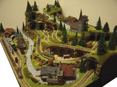 This was my final piece for my Art degree. Its foot, N-gauge and only cost just for the parts I didn't build from scratch myself. N-gauge layout - The Rabbit Warren 02 N Scale Train Layout, N Scale Layouts, Model Train Layouts, N Scale Model Trains, Scale Models, Train Miniature, Ho Trains, Electric Train, Gauges