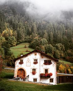 pretty house in Val Müstair, Graubünden, Switzerland Oh The Places You'll Go, Places To Travel, Beautiful Homes, Beautiful Places, Cute House, Adventure Is Out There, My Dream Home, Around The Worlds, Hotels