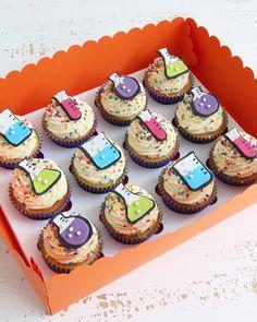Girl Cupcakes, Themed Cupcakes, Birthday Cupcakes, Cupcake Party, Party Cakes, Cupcake Cakes, Science Cake, Science Party, Birthday Cake For Brother