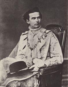 Albert, Joseph: König Ludwig II. im Ornat des Großmeisters vom Georgi-Ritterorden