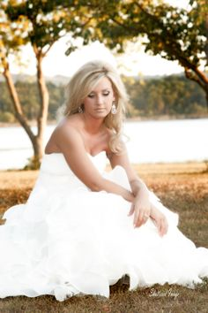 Greers Ferry Lake is the perfect place for an outdoor bridal session.  shutteredimage.com