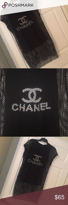Women's fashion beautiful top New never worn saling cuz I have 2 of them loss top with net over the tang top of Chanel very cute Tops