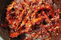 [대관령 눈마을황태] 밥도둑 황태장아찌 만들기 : 네이버 블로그 Korean Street Food, Korean Food, K Food, Stylish Kitchen, Desert Recipes, Kimchi, Food Plating, No Cook Meals, Asian Recipes