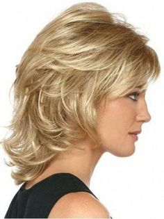 15 Medium Short Hair Cuts - New Hair Styles 2018 Medium Layered Hair, Medium Short Hair, Medium Hair Cuts, Short Hair Cuts, Medium Hair Styles, Curly Hair Styles, Layered Haircuts For Medium Hair With Bangs, Short Wavy, Layered Haircuts Shoulder Length