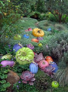 On October weekends, you are invited to visit Cohn-Stone Studios presenting a beautiful fall display of hundreds of glass pumpkins of all shapes, colors and sizes. Halloween Pumpkins, Fall Halloween, Halloween Decorations, Autumn Decorations, Halloween Witches, Thanksgiving Decorations, Halloween Ideas, Mosaic Glass, Glass Art