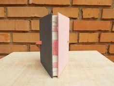 Edição Única :: Rosa & Cinza #encadernação #cadernoartesanal #feitoamao #bookbinding #handmade #papelaria