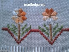 Bordados Tambour, Bargello Needlepoint, Olive Tree, Embroidery Stitches, Diy And Crafts, Patches, Cross Stitch, Quilts, Projects