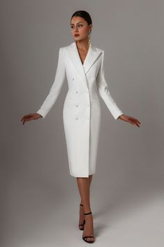 Fitted dress from LN family Elegant Outfit, Classy Dress, Classy Outfits, Elegant Dresses, Stylish Outfits, Mode Outfits, Dress Outfits, Suit Fashion, Fashion Dresses