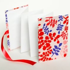 Easy accordion book. No special tools required. Great introduction to book making for kids.