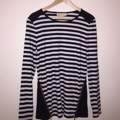 Michael Kors Striped Top Michael by Michal Kors Black & White Striped Top.  New With Tags.  Never Worn.  OFFERS WELCOME!!!!!! ✨✨✨✨✨✨ MICHAEL Michael Kors Tops Tees - Long Sleeve